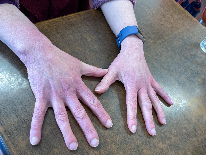 20201006 Manicure Barb